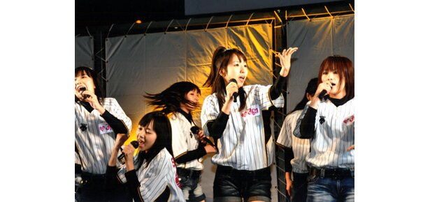 """東京初進出となる""""大阪生まれ""""の新ユニットJK21。ちなみにJKとは女子高生のこと"""