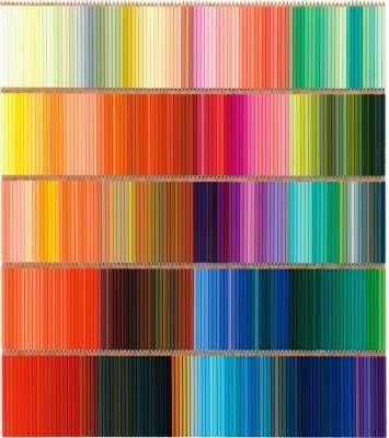 どれから使う!? 500本の色えんぴつはディスプレイしてもかわいい!