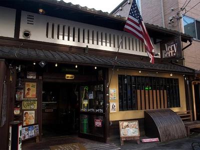 河原町二条の「Very Berry Cafe」は落ち着いた雰囲気のお店