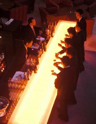 ワインアワーは、アンティパストも¥300から楽しめる