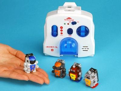 世界最小級サイズで人工知能を搭載した室内専用二足歩行ロボット「ROBO−Q (ロボキュー)」(3675円・税込)