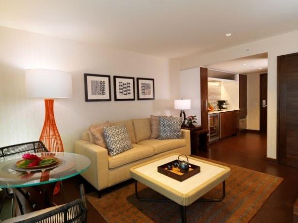ホクラニ・ワイキキの部屋はアースカラーを基調としたアーバンスタイルなコーディネート