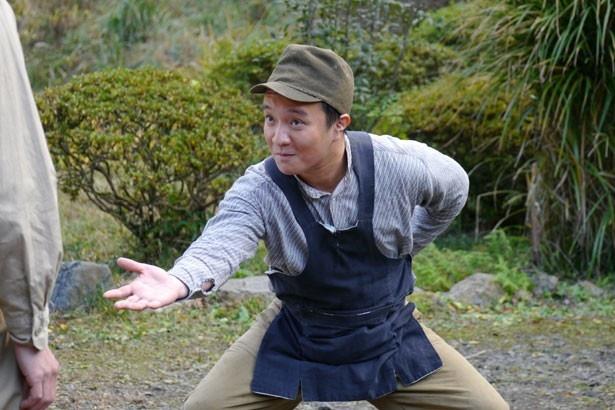 遠州地方の方言で、名もなき便利屋に扮した濱田岳の演技に絶賛の声が