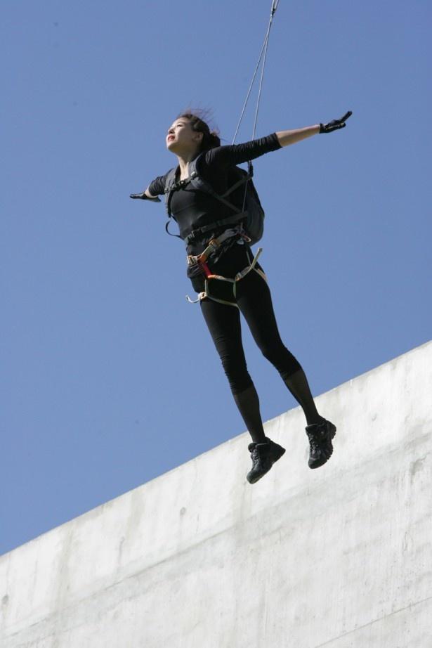 女優魂を見せたチョン・ジヒョンのジャンプ