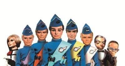 左からエージェントのペネロープ、二男ジョン、四男ゴードン、長男スコット、三男バージル、五男アラン、ペネロープの執事パーカー、エンジニアのブレインズ