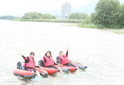 NMB48のメンバーが琵琶湖・オーパルでレイクバギングに挑戦♪