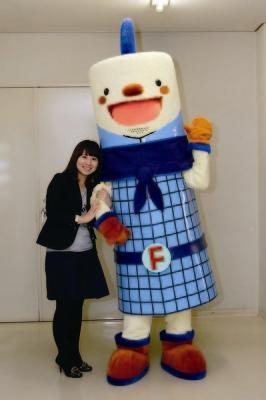 昨年誕生した福岡タワーのキャラクター「フータくん」。身長はタワーの100分の1の、234cm