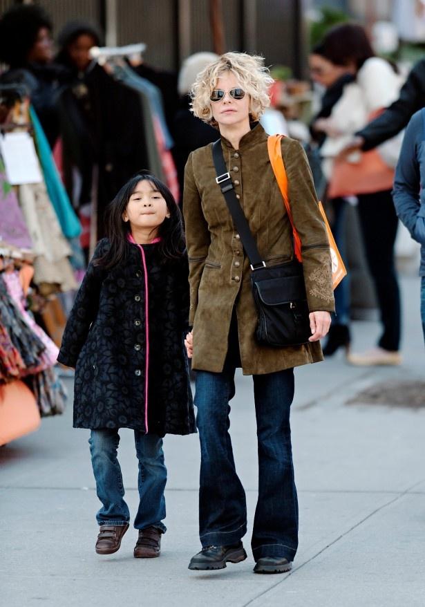 メグ・ライアンと養女のデイジー