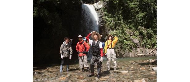 滝から流れ落ちる水音など耳でも楽しませてくれる