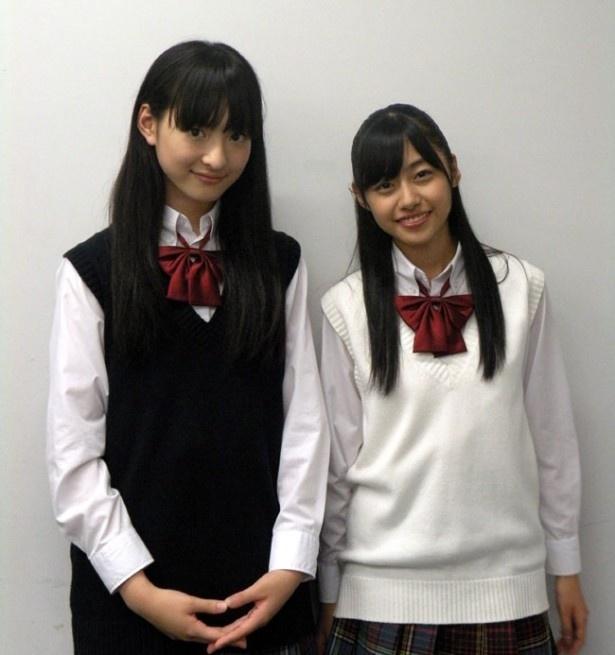 劇中では決して見られない笑顔を披露してくれた私立恵比寿中学の松野莉奈(写真左)と鈴木裕乃