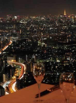 まるで天空にいるよう!海抜246mから東京の夜景が見下ろせる(AUXAMIS 59)