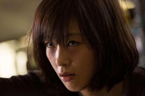 """全く別の人格を持つ""""バイロケ""""に命を狙われる女性を、水川あさみが迫真の演技で魅せる!"""