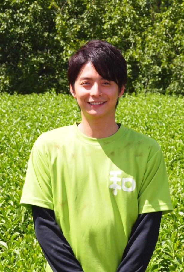10/25(金)放送のSPドラマ「苦くて、甘い~希望の茶~」で、ボランティアを好まない青年・広太を演じる小池徹平