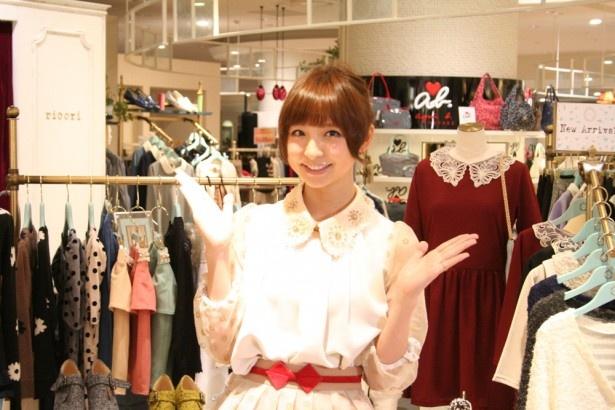 博多阪急に自身が手がけるブランド「ricori」をオープンした篠田麻里子