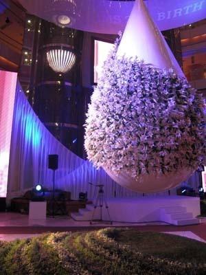 華やかで洗練された装飾で空間を演出