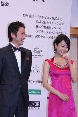 堀北さんが着用したドレスはデザイナーの池本紫さんが制作