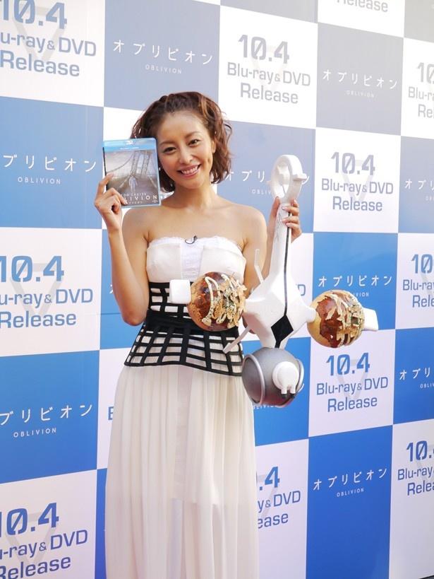 10/4発売の「オブリビオン」Blu-Ray&DVD発売記念イベントに話題の熊切あさ美が登場!
