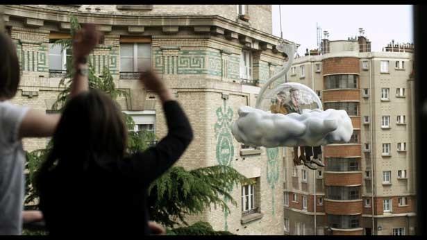 原作のファンタジックな世界観をそのままに、ミシェル・ゴンドリーが映像化