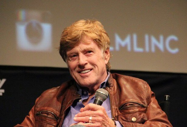 主演作『All is Lost』の上映でニューヨーク映画祭の会場に登壇したロバート・レッドフォード。なんと御年77歳!