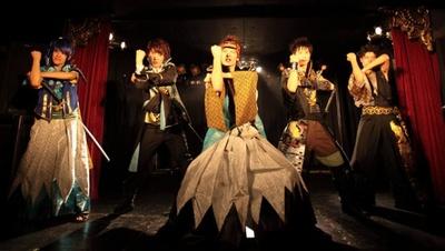 幕末で活躍した5人を中心に物語は展開される