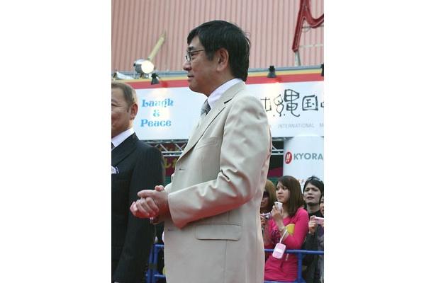 ベテラン俳優石坂浩二も本作に参加