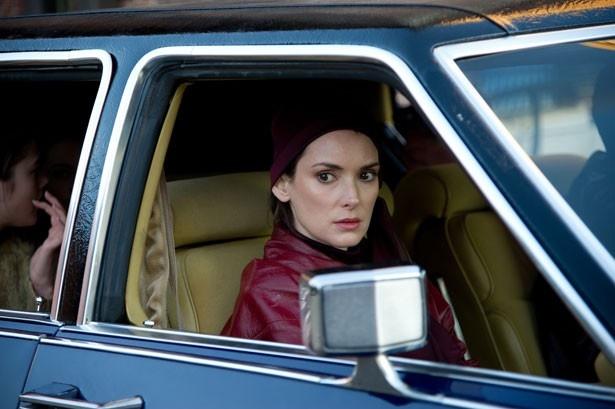 史上最悪の殺人鬼の妻を演じたウィノナ・ライダー。インタビューでは撮影現場での様子も明かしている