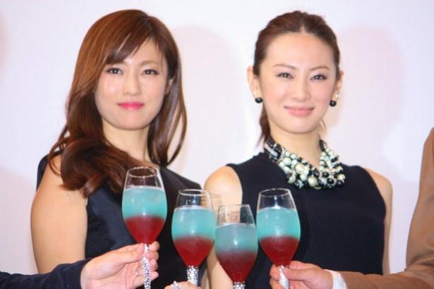 『ルームメイト』の舞台挨拶に登壇した北川景子と深田恭子