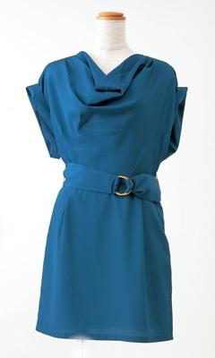 胸元のキレイなドレープが特徴のドレス(UNIQLO by Shipley & Halmos、4990円) ※写真のコラボ商品は、新宿西口店ほか一部店舗で4月中旬から販売