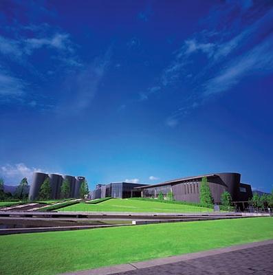 水と緑に満ちた自然豊かな施設(アサヒビール神奈川工場)