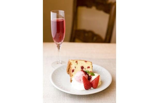 ラ・メゾン・ド・ミエール・ナミキの「春うらら…ほろ酔い気分のケーキセット」