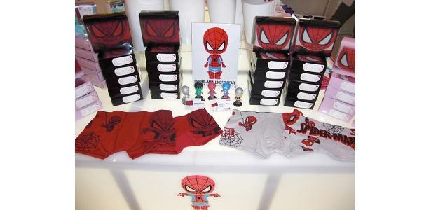大人気のスパイダーマンパンツ