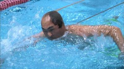 「水中顔面ストッキング綱引き対決」では、溺れる寸前まで引きずられてしまう