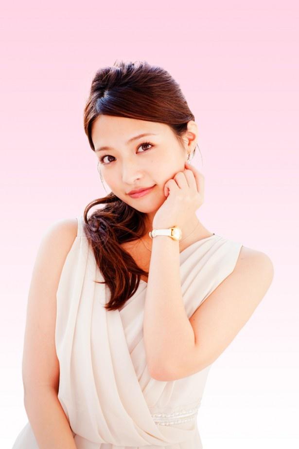 上田眞央のドレス画像