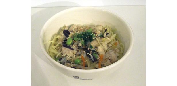 ミスター飲茶の期間限定新商品「棒々鶏塩スープ」(梅風味) かけ麺で399円