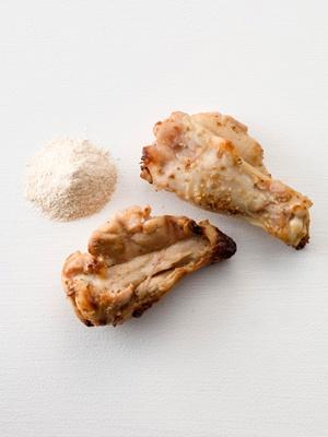 「素のままポテトチップス・ウェーブカット」の味付けパウダー「チキンくんせい」※4/21(火)発売
