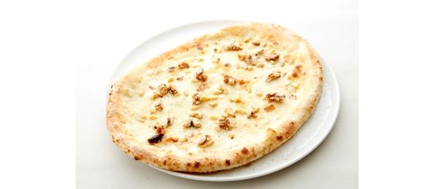 「5種類のチーズとナッツのピッツァ」(1890円)