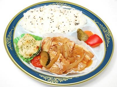 豚肉のルイボスティー煮プレート弁当(550円)