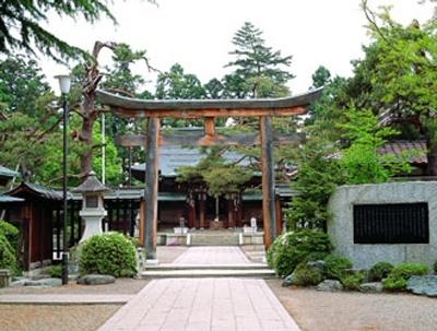 「上杉神社」〜2009年ドラマ「天地人」で話題の直江兼続ゆかりの地、山形。兼続が築き上げ、愛したふるさとをめぐる〜