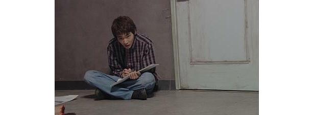 柄本さんは、揺れる青年の心を丁寧に表現した
