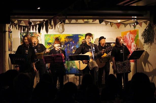 声優の井上和彦率いるユニット・声援団が東日本大震災から3年経った3月11日、都内でチャリティライブを開催