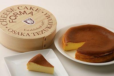 木箱入りホールタイプのチーズケーキ(FORMA)