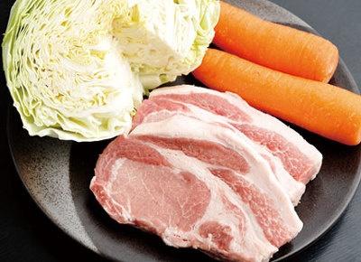 新鮮な豚肉や、特別栽培野菜など食材を厳選