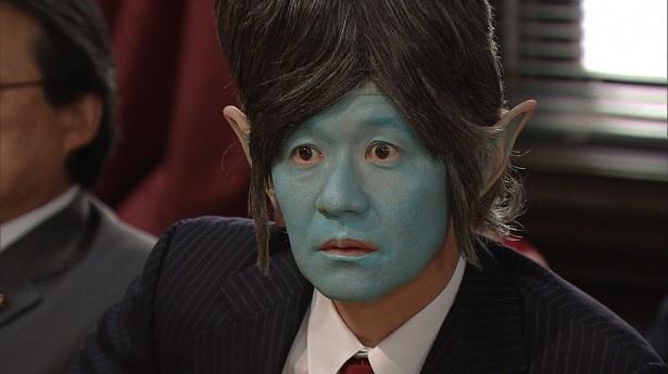 小暮井総理が「私は地球人だ」と言い張る「宇宙人総理」