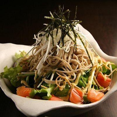 大車輪の如く混ぜること推奨「信州蕎麦サラダつゆマヨソースで」(680円)