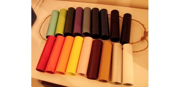 フレームの色尾は18種類から選べる