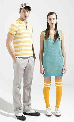 かわいいカラーリングが主流(ワンピース2万1840円(右)、ポロシャツ1万6590円、パンツ2万4990円、キャップ6090円/マークアンドロナ)