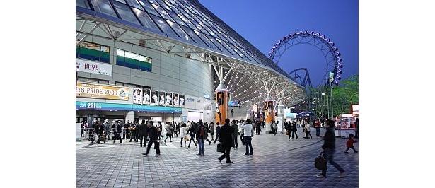 開幕戦で沸く東京ドームで…