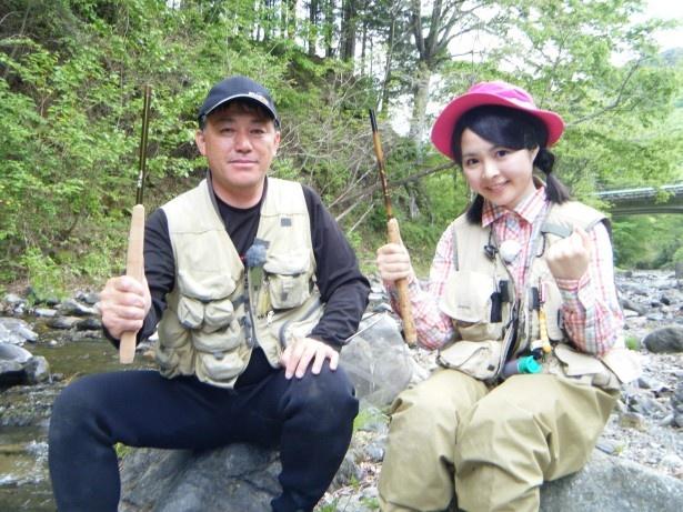 AKB48グループの中でも屈指の釣り好きのSKE48・加藤るみが「釣りびと万歳」に登場(写真・右)