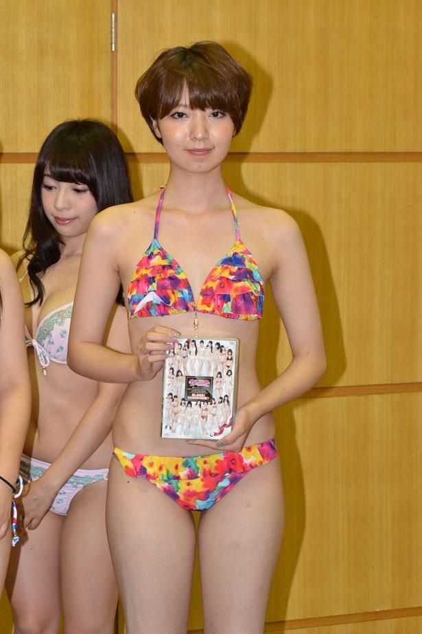 【写真を見る】投票数第1位(5月26日現在)の友寄蓮さんをはじめ、14人の水着美女が勢揃い!