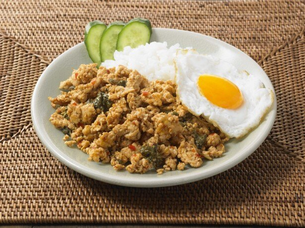 「手づくりキット ガパオ」は、鶏挽肉を炒めるだけで人気タイ料理のガパオを簡単に作れるキット
